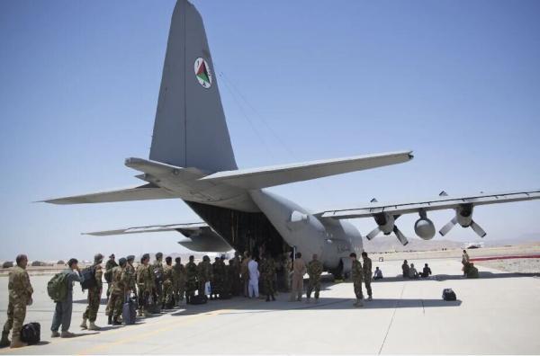 نیروهای آمریکایی پایگاه بگرام افغانستان را ترک کردند